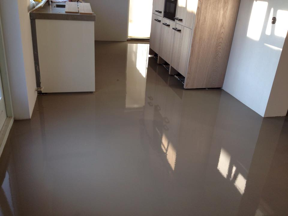Egaliseren badkamer vloer badkamer ontwerp idee n voor uw huis samen met meubels - Badkamer houten vloer ...