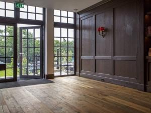 Dennebos R.02 houten vloer